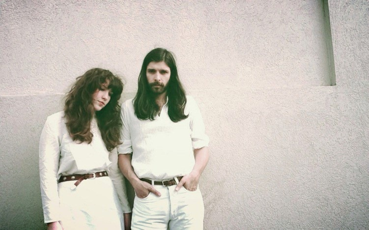 Mundo Musique: Widowspeak, Connections, Parquet Courts, Hebronix, and Chris Robinson