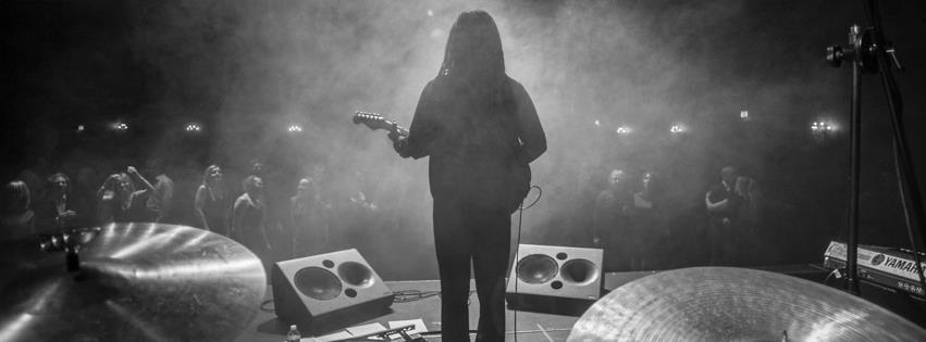 """Mundo Musique: Julian Taylor Band's Groovy """"Tech Noir"""""""