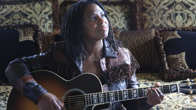 Mundo Musique: Rediscovering the Phenomenal Ruthie Foster