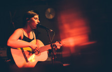 Aldous Harding's powerful performance at Meow, Wellington